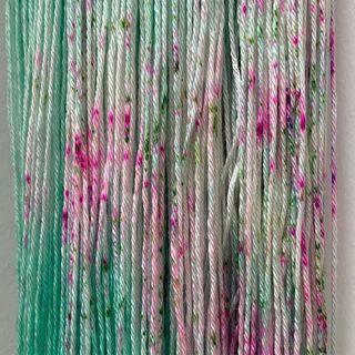 Sprenkel auf Mermaid's Tail. Es gibt neue Stränge dieser Farbe auf Soft Sock und Silky Light. 🧜🏻♀️🧜🏽♂️ Speckles on Mermaid's Tail. This colour has been restocjed on Soft Sock an Silky Light. 🧜🏻♀️🧜🏽♂️ #indiedyedyarn #knittersofinsta #strickenmachtglücklich #yarnporn #yarn #knit #dyersofinstagram #indiedyer #springyarn #indiedyersofinstagram #knitspiration #summeryarn #silkyarn #mohairlove #sockyarn #merinoyarn #indiedyedyarn #tricot #yarnaddiction #yarnoholic #yarnlove #yarnlovers #woollove #knitspirit #knitting #shawlyarn  #kathienchen #kathienchenyarns